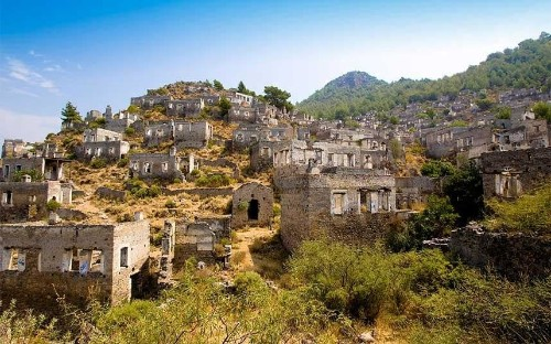 Louis de Bernieres airs concerns over Kayaköy restoration
