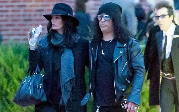 Nearly 300,000 Motorhead fans tune in to watch Lemmy's funeral in LA