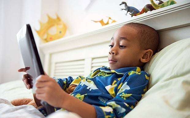 Ebooks boost boys' reading abilities, research finds