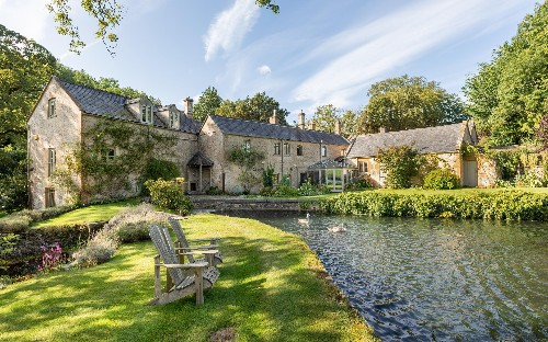 Which Cotswolds tribe do you belong to: old school Gloucestershire or glamorous Oxfordshire?