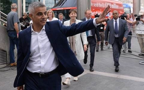 How Sadiq Khan tried to ingratiate himself with climate change protesters... only for them to grind city to halt