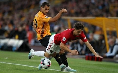 Ryan Giggs defends Daniel James after Wolves fans accuse him of diving