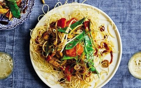 Hong Kong crispy noodles with mixed vegetables recipe