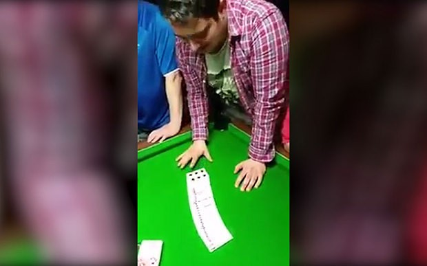 Irishman's awesome card trick story goes viral