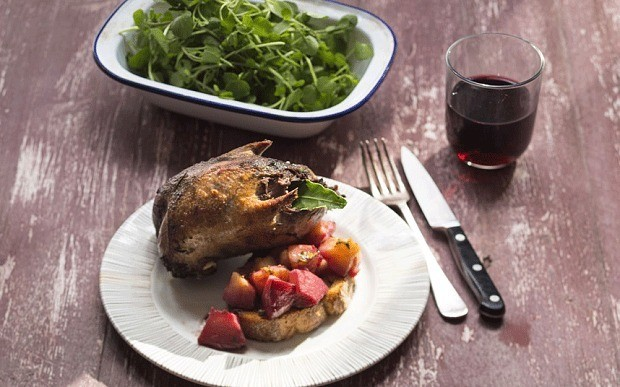 Grouse with roasted quince, rosemary, toast and red wine recipe
