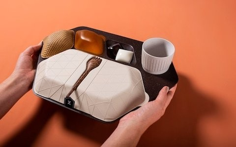 Plastic-free, edible flight meal trays designed to reduce airline waste