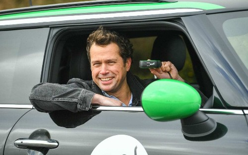 Former Dyson boss invests alongside £3.2m fund for 'fitbit for cars' firm