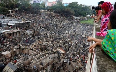 Massive Bangladesh slum fire leaves 10,000 people homeless