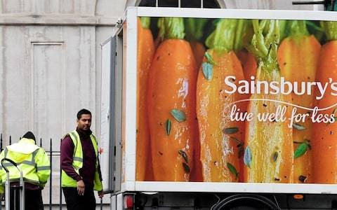 Sainsbury's heir apparent John Rogers quits for WPP