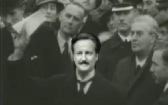 David Cameron is more like Neville Chamberlain than Winston Churchill when it comes to Europe