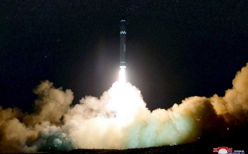 Crews from three flights 'saw burst of light from North Korea's missile'