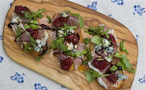 Speedy weeknight suppers: fig, prosciutto and gorgonzola croutes