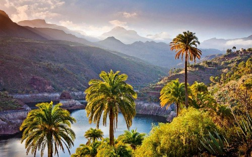 An expert guide to cruising the Canary Islands