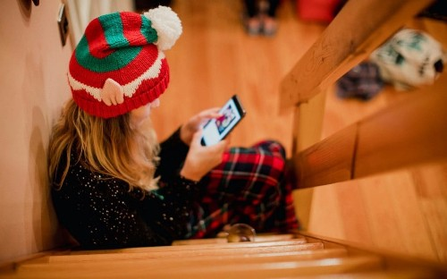 The unique torture of the family WhatsApp group at Christmas