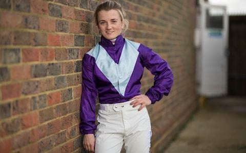 Hollie Doyle joins hundred club on The Perfect Crown at Chelmsford