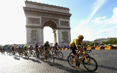 Tour de France 2016: Chris Froome crowned winner in Paris as Andre Greipel wins final stage