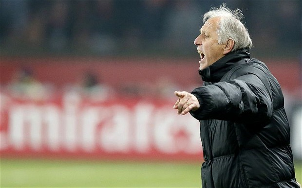 Montpellier coach Rene Girard wants move to a Premier League club after discussions with Arsene Wenger