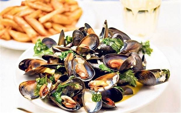 Mussel recipes: moules frites