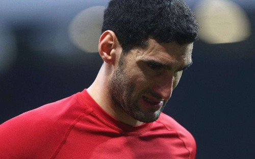 Manchester United rule Marouane Fellaini out for a month with calf injury, ruining chances of a move
