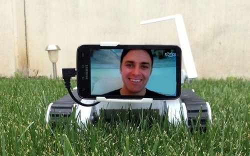 Divorced father builds ingenious telepresence robot so he can hang out with his children