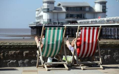 Living by the sea makes you happy, study finds