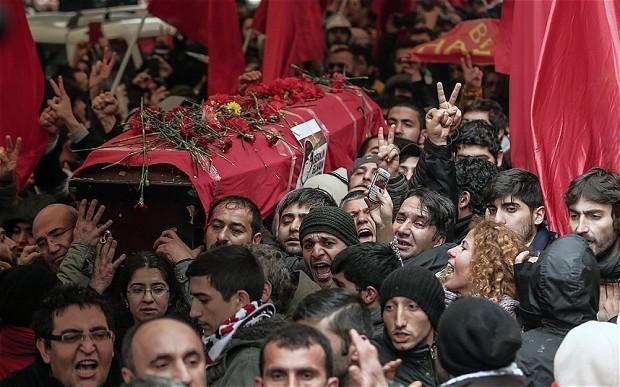 Turkey blocks access to social media and YouTube over hostage photos