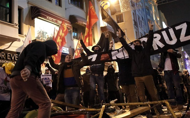 Turkey PM Erdogan's party turn on him as corruption probe deepens