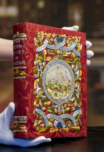 New Shakespeare exhibition includes copy of plays read by Charles I as he awaited execution