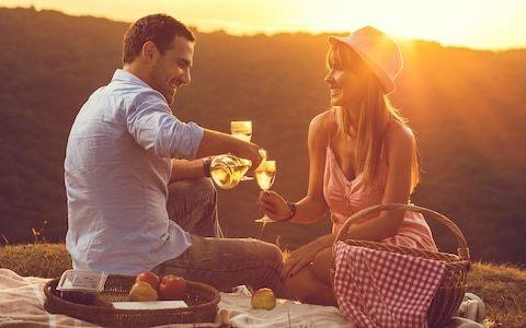 Romantic partners really do make the pain go away