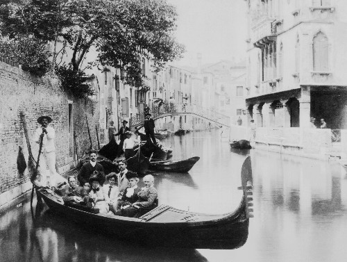 21 fascinating early photographs of Venice