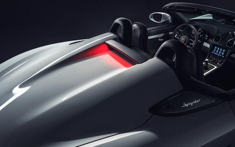Porsche reveals 718 Cayman GT4 and Spyder