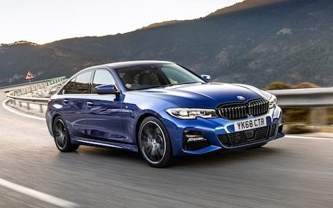 BMW 320i review: does a petrol engine make a better 3-Series?