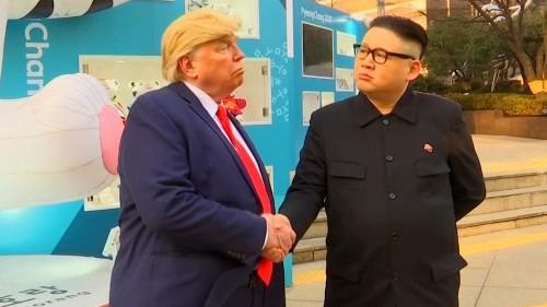 Trump and Kim impersonators take Seoul by surprise