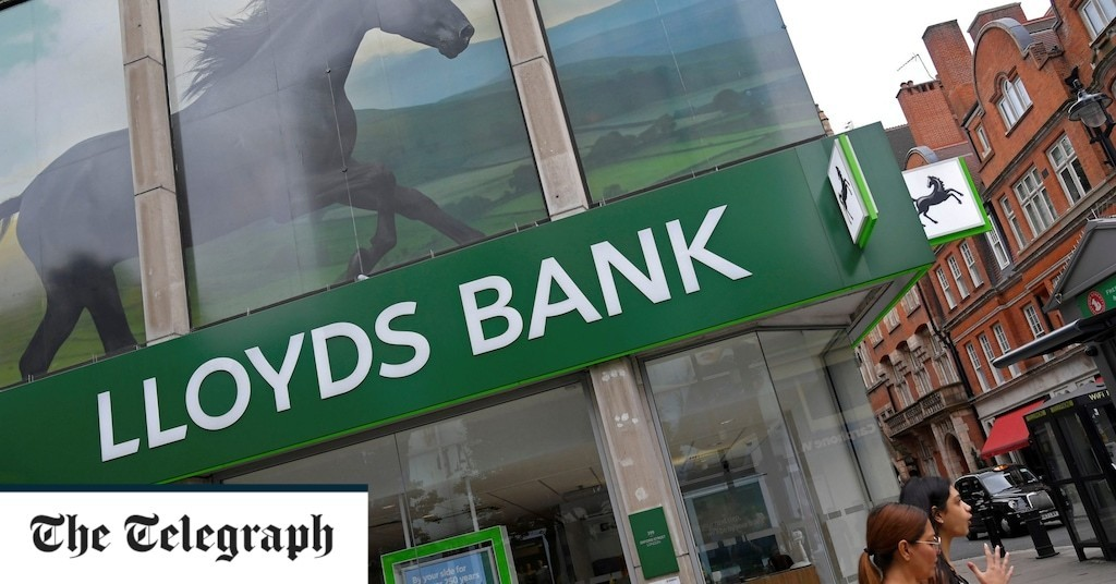 Lloyds Banking Group set to keep staff working from home for longer