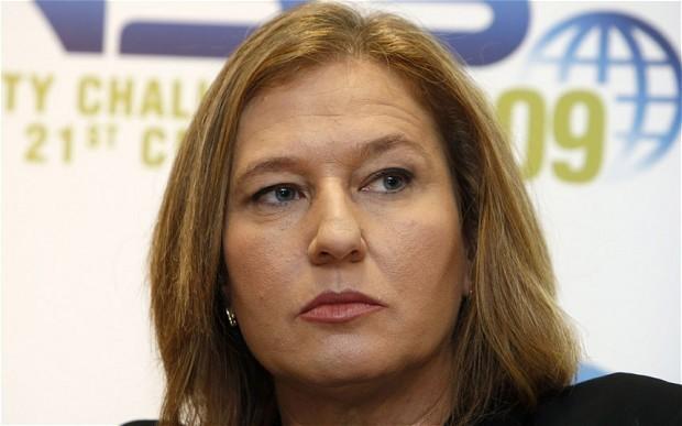 Tzipi Livni threatens to quit Israeli coalition