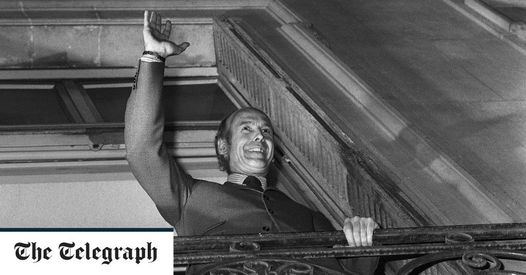 Valery Giscard d'Estaing: Former French president dies from Covid aged 94
