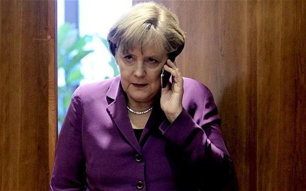 Obama invites Merkel to Washington in bid to end phone bugging row