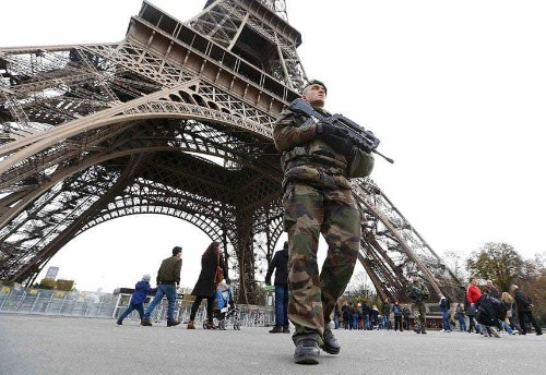 Paris attacks: Is it safe to travel to Paris?