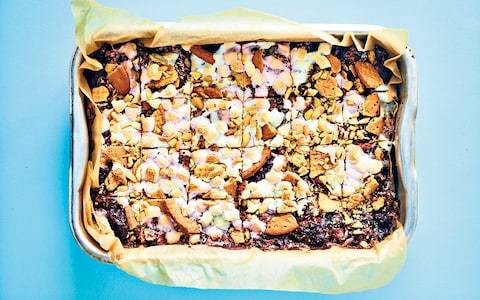 Rocky road with peanuts, marshmallows and chocolate recipe