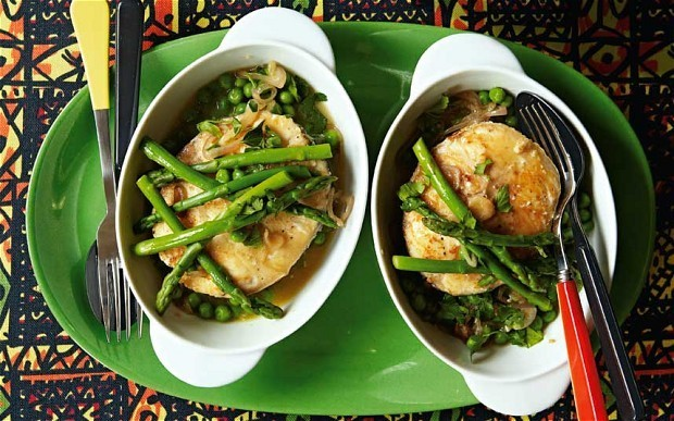 Hake with asparagus, peas, parsley and wine recipe
