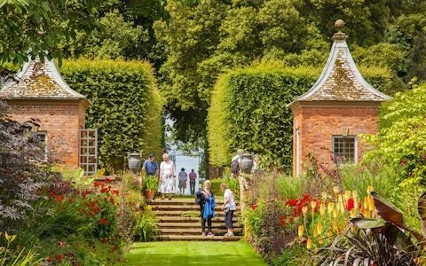 A look inside Hidcote Manor's extraordinary Cotswolds garden through the art of clay casting