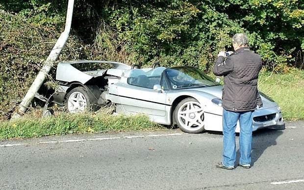 Ferrari F50 crashes on A43