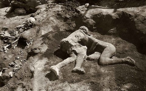 Embracing figures at Pompeii 'could have been gay lovers', after scan reveals they are both men