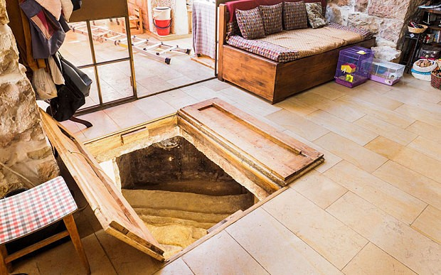 Ancient Jewish ritual bath discovered in Jerusalem