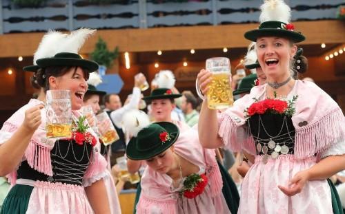 Four pints of beer doubles risk of irregular heart rhythm, Oktoberfest study finds