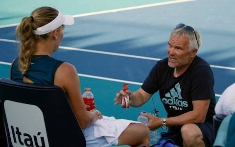 Tennis Podcast: Can players become over-reliant on their coaches?