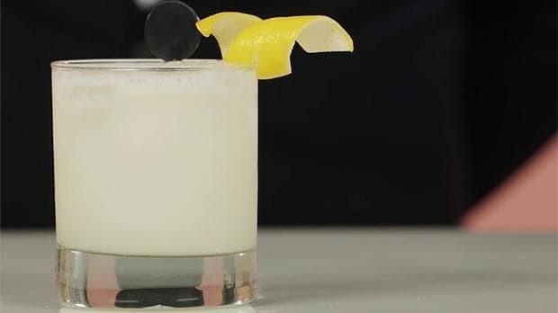 Classic Cocktails: Pisco Sour