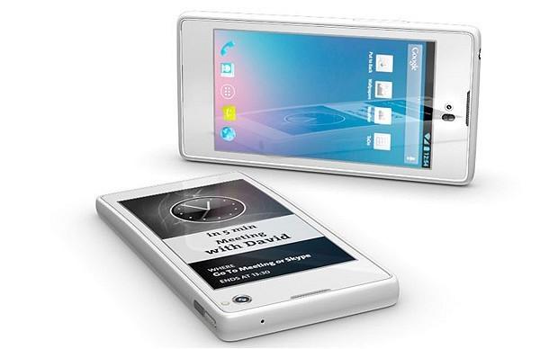 YotaPhone dual-screen smartphone 'to launch before Christmas'