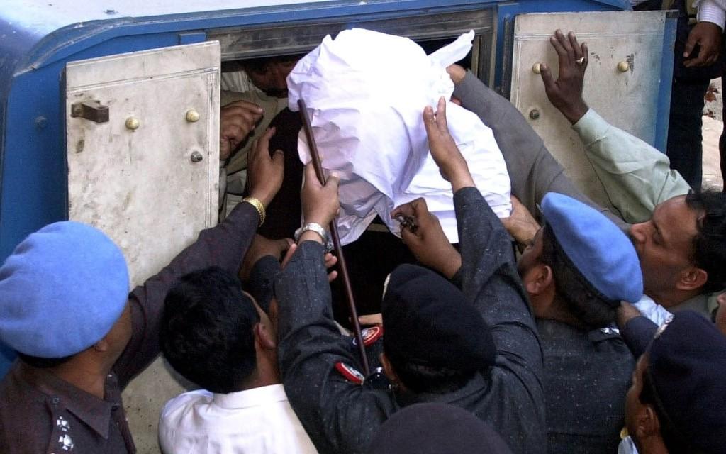 Briton's death sentence for Daniel Pearl's murder overturned in Pakistan
