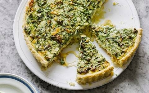 Rocket, cheese and onion tart recipe